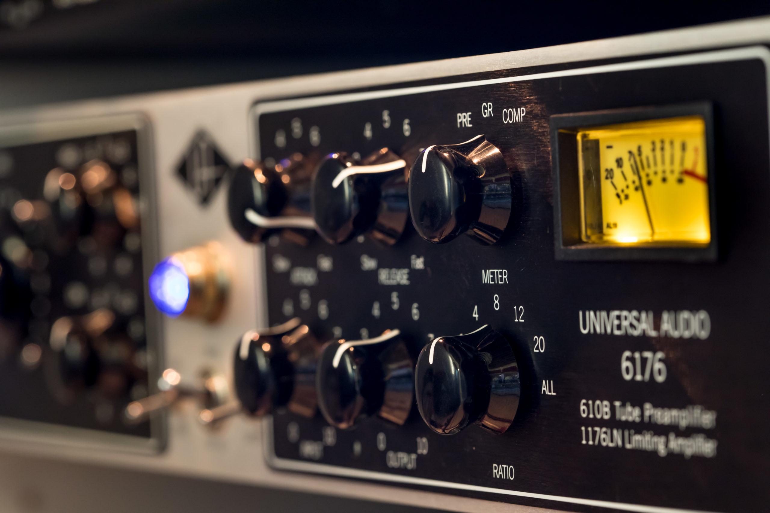 UAD 6172 Flip music